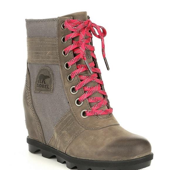 7679a528343e Sorel Lexie Wedge Snow Boots. M 5bf1e5bcf63eead0b2443cff
